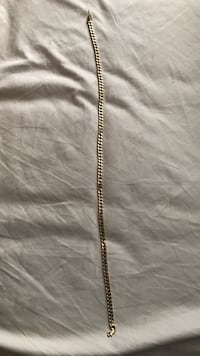Gold chain Castaic, 91384