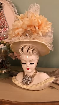 Gorgeous Antique Lady Head Vase in yellow Gainesville, 20155