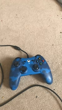 blue and black Xbox One controller Niota, 37826