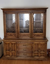 Dining Hutch / China Cabinet