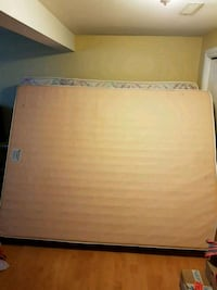 Queen size matress and boxspring  Port Coquitlam, V3B 1J1