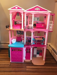 Barbie Dreamhouse CJR47 434 mi