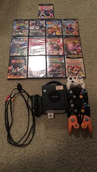 GAMECUBE WITH 4 CONTROLLERS Indian Head Park, 60525