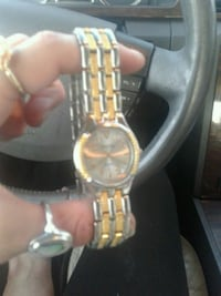 round gold-colored analog watch with link bracelet Amarillo, 79106
