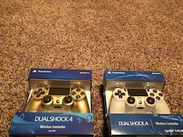 Playstation 4 DualShock 4 Controllers (NEW)