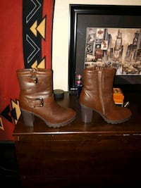 pair of black-and-brown chunky heeled booties Langley Township, V4W 2S8