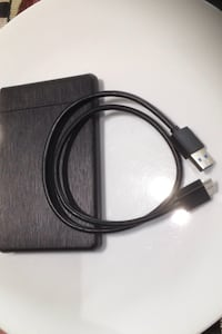 Black and gray usb cable