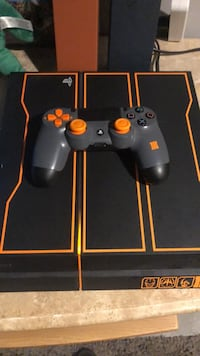 Limited Edition Black Ops 3 PS4 Console with Controller Fords, 08863