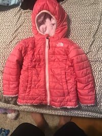 Size 2t north face jacket  Louisville, 40218