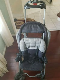 Sit and stand stroller. Brampton, L6Y 5S5