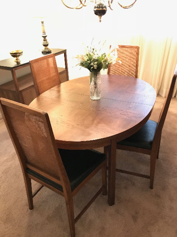 Used DINING ROOM TABLE CHAIRS For Sale In Mississauga