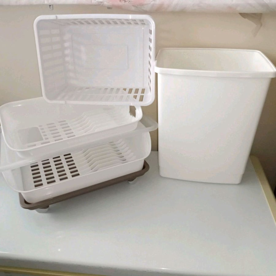 For dishes+bin