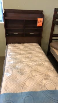 White and gray bed mattress Los Angeles, 91325