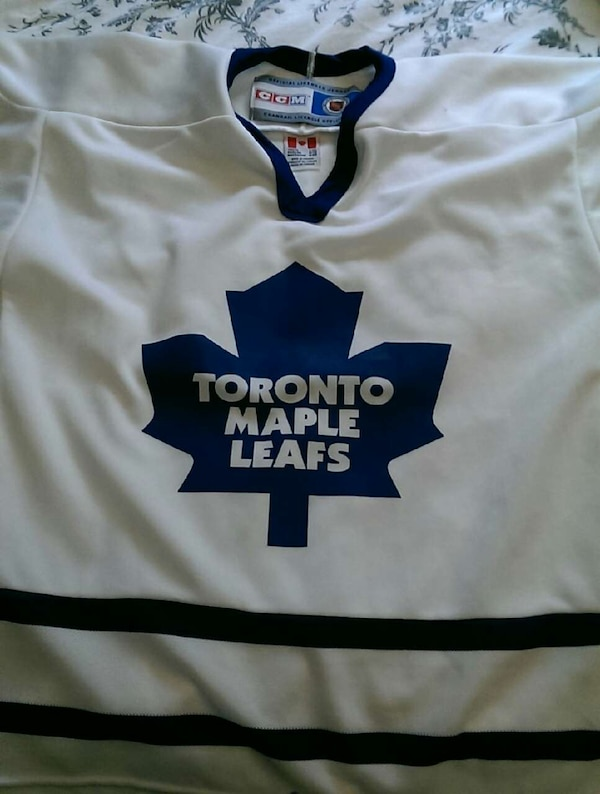 super popular 79951 3adaa Toronto Maple Leafs Jersey youth
