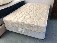 quilted white and gray floral mattress San Bernardino, 92408