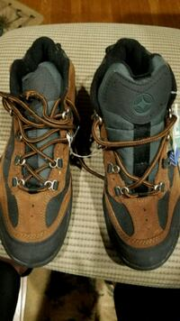 Ladies hiking shoes Burtonsville