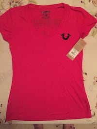 True Religion Red v-neck shirt Toronto, M9B 1J5