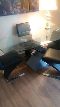 Glass top dining table with 4 chairs London, N5W 4K2