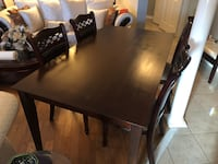 BROWN DINING TABLE SET - GREAT CONDITION - DELIVERY AVAILABLE  Toronto, M1G 1T7
