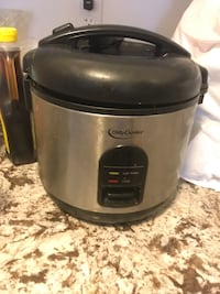 stainless steel and black Betty Crocker rice cooker