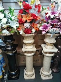 1ceramics pot &one stand &flowers Toronto, M9V