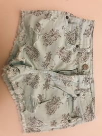 Pineapple shorts by Aéropostale Casal Palocco, 00124