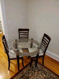 Dining Table (+3 chairs)