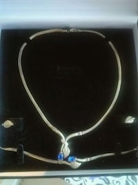 Silver, Diamonds and Sapphire necklace set