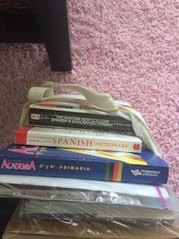 Spanish books Sooke, V9Z 0W7