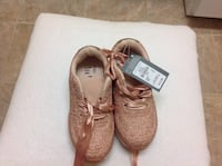 Girls shoes. BNWT Oshawa, L1H
