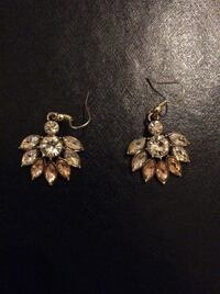 Gold gem earrings  Germantown, 20876