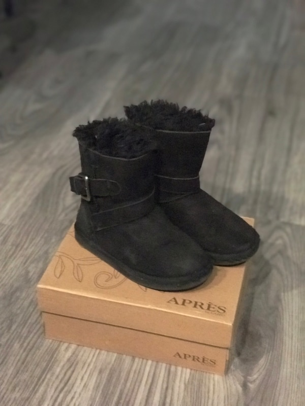 Toddler boots size 10