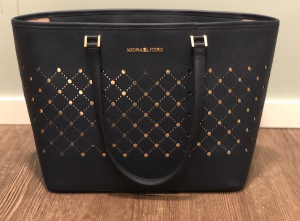 354ae48fd876 Used Michael Kors tote (mint condition) for sale in Winnipeg - letgo