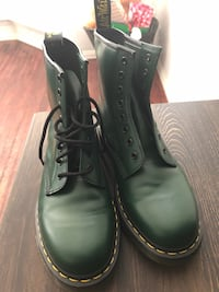 Doc Martens Boots - WORN ONCE (US M 9) Los Angeles, 90047