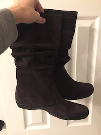 Brown suede slouchy boots  Warrenton, 20187