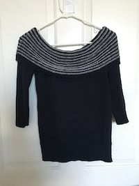 black scoop-neck long-sleeved shirt Miami, 33125