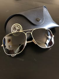 Unisex Rayban sunglasses - lightly worn. Excellent condition Mississauga, L4Y 3G7