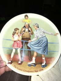 The skating queen China plate by the Edwin m knowles China co. Mint condition with certificate of authenticity. New in box Palmdale, 93552