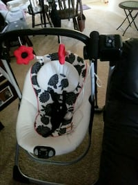 baby's white and black Graco swing chair Virginia Beach, 23462