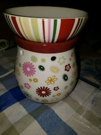 Wax burner supposed to be scentsy but don't say it Frederick