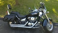 black and gray touring motorcycle 632 mi