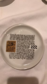 Aquarius Zodiac Small plate Brookfield, 06804