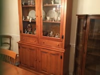Shaker Dining room table with 4 chairs and hutch RESTON