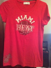 New Authentic Miami Heat Woman's  t-shirt. Size Large Laval, H7X 3M8