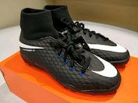 NEW Nike Soccer Turf Shoes (Size 5Y) Ballwin, 63021