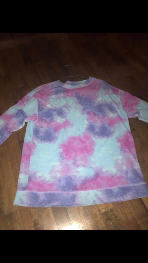 423b72e52a8c6 White, pink, and purple tie-dyed sweatshirt
