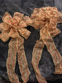 Christmas bows  Courtice