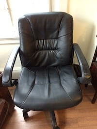 Office chair - Excellent like new condition  541 km