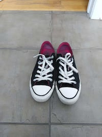 pair of high to Converse  Star low-top sneakers