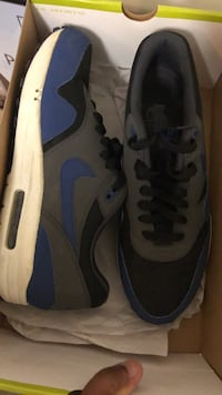 Pair of gray-and-blue nike sneakers Ontario, 91762
